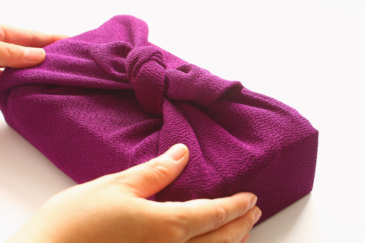 Handing wrapping cloth Furoshiki parcel, Japanese hospitality