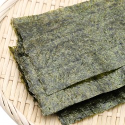 Japanese food, Nori dry seaweed sheets